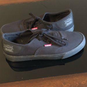 Levi's low top sneakers